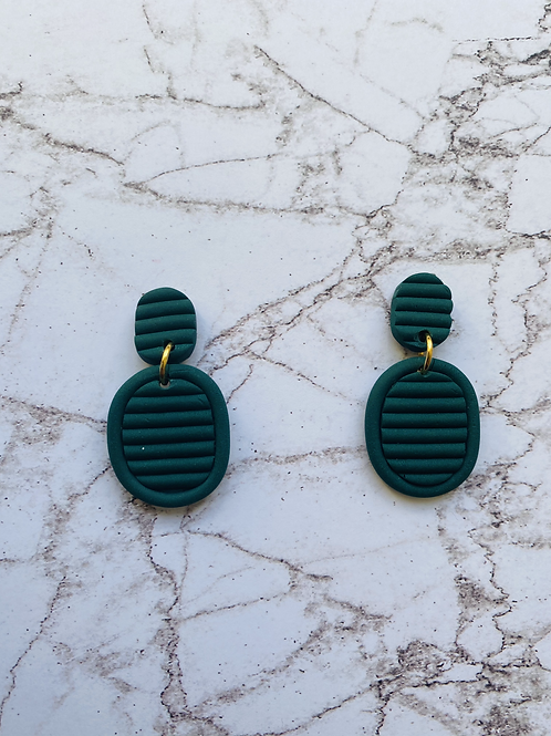 Smaragd green oval