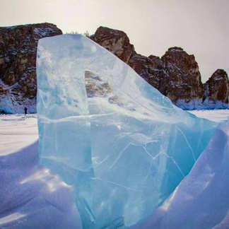 Лёд Байкала. Кристальный байкальский лед, ледяные гроты и пещеры