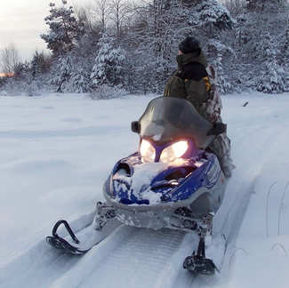 Охота за северным сиянием и экспедиция на снегоходах в сердце Кольского