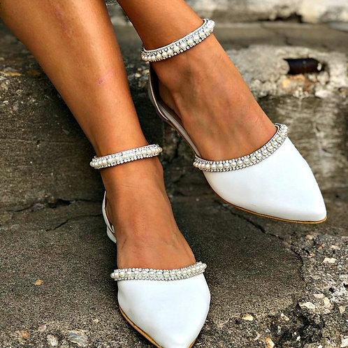 Cadeau | Rhightstone Pointy Toe Flat