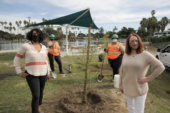 Anastasia King, RRL founder, and Rachel Payne, The Tree Pledge founder.