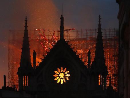 Notre Dame Katedrali'nde Yangından yola çıkarak genel bir yorumlama