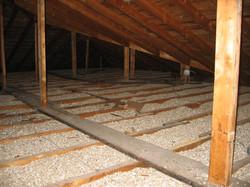 Vermiculite dans un grenier