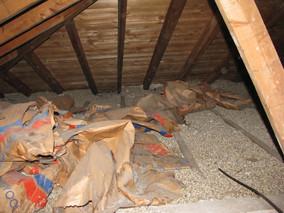 Isolant de Vermiculite contenant de l'amiante