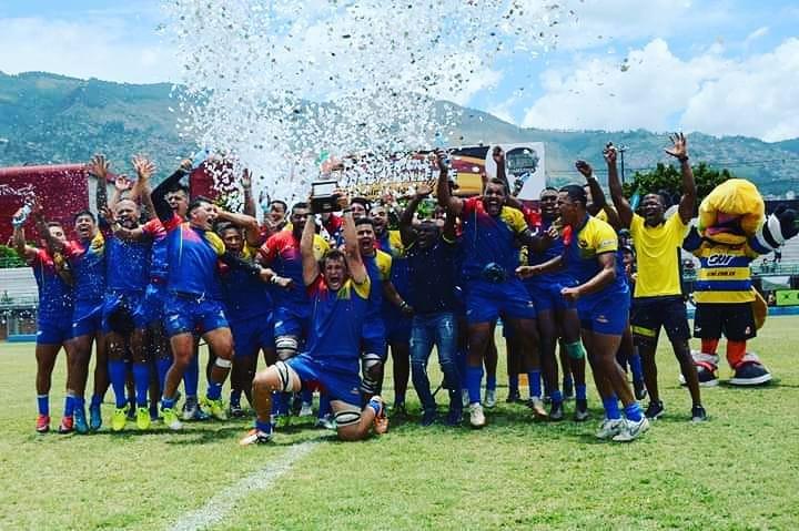 Selección Colombia de Rugby celebrando el título del Américas Rugby Challenge.