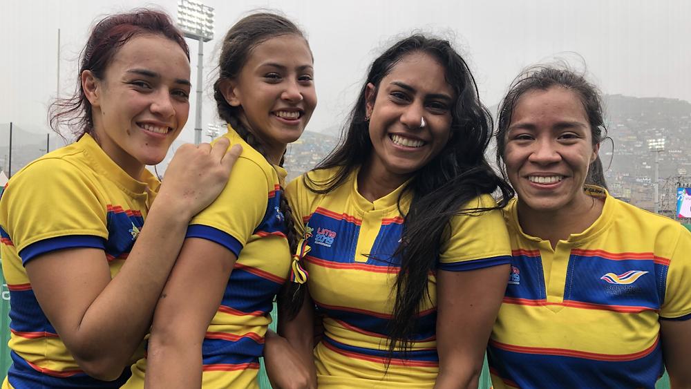 Isabel Romero (centro) siempre se ha caracterizado por su alegría y entrega con Tucanes