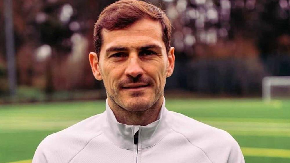 En 2019 Iker Casillas sufrió un infarto que lo alejó e las canchas. Hoy en el retiro cuenta sus proyectos y los recuerdos que marcaron su carrera.