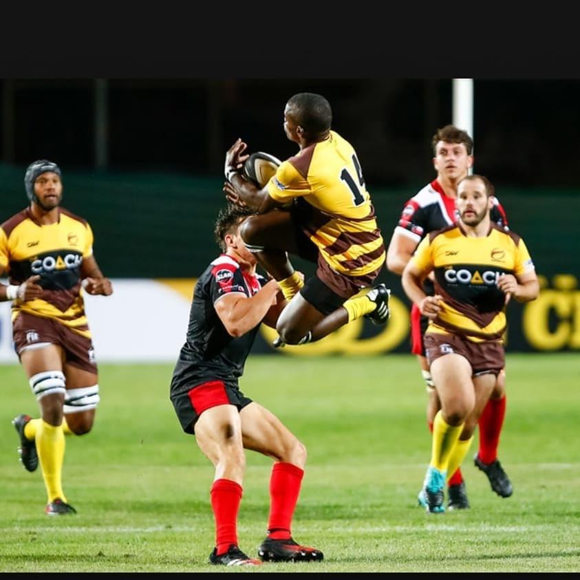 Arley Urrutia en acción con Cafeteros Pro en la Superliga Americana de Rugby