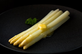 Christina Groth-Biswas - Asparagus with butter