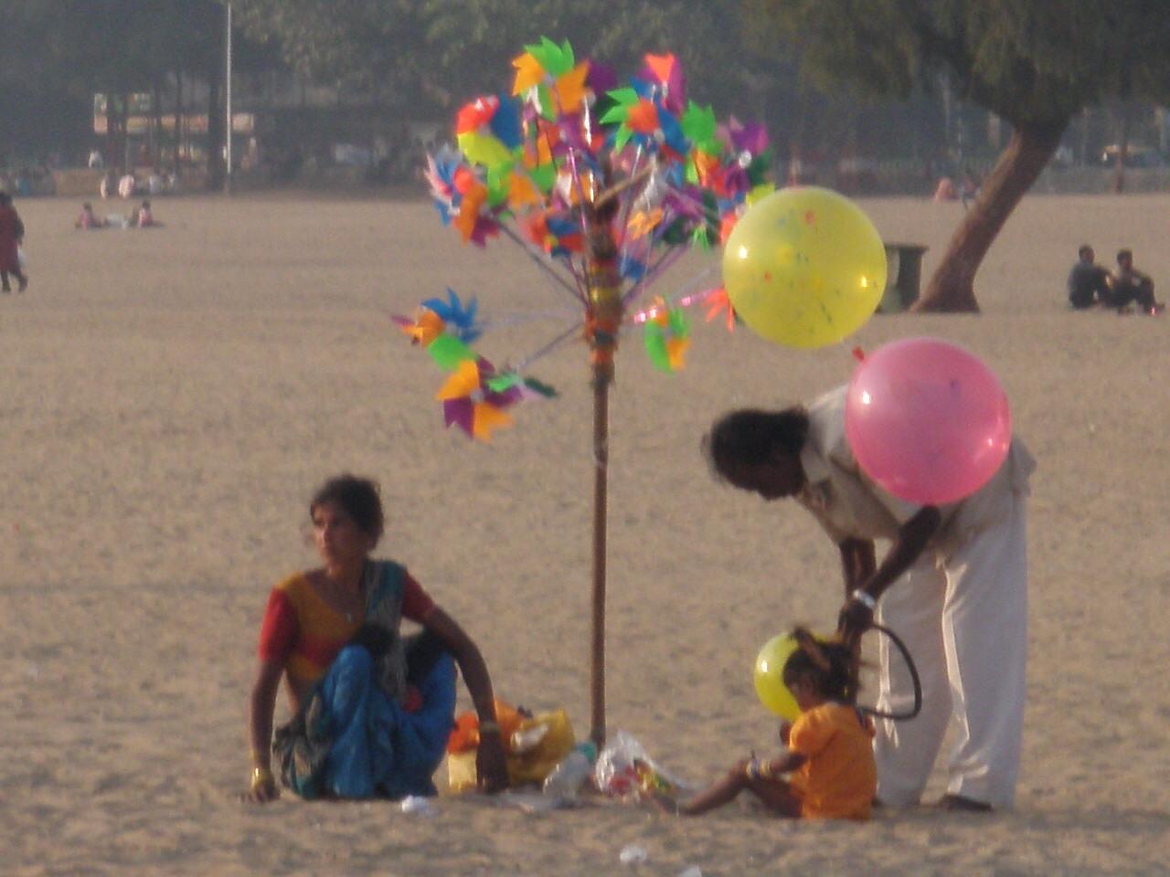 Ballons sur la plage- Mumbai