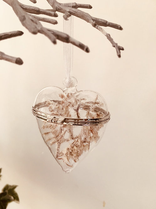 GLASS HANGING FLORAL HEART - GIFT BOXED - 7X9CM