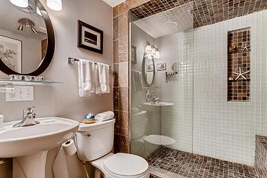 5470 Manitou Littleton CO-large-025-016-Lower Level Bathroom-1500x1000-72dpi.jpg