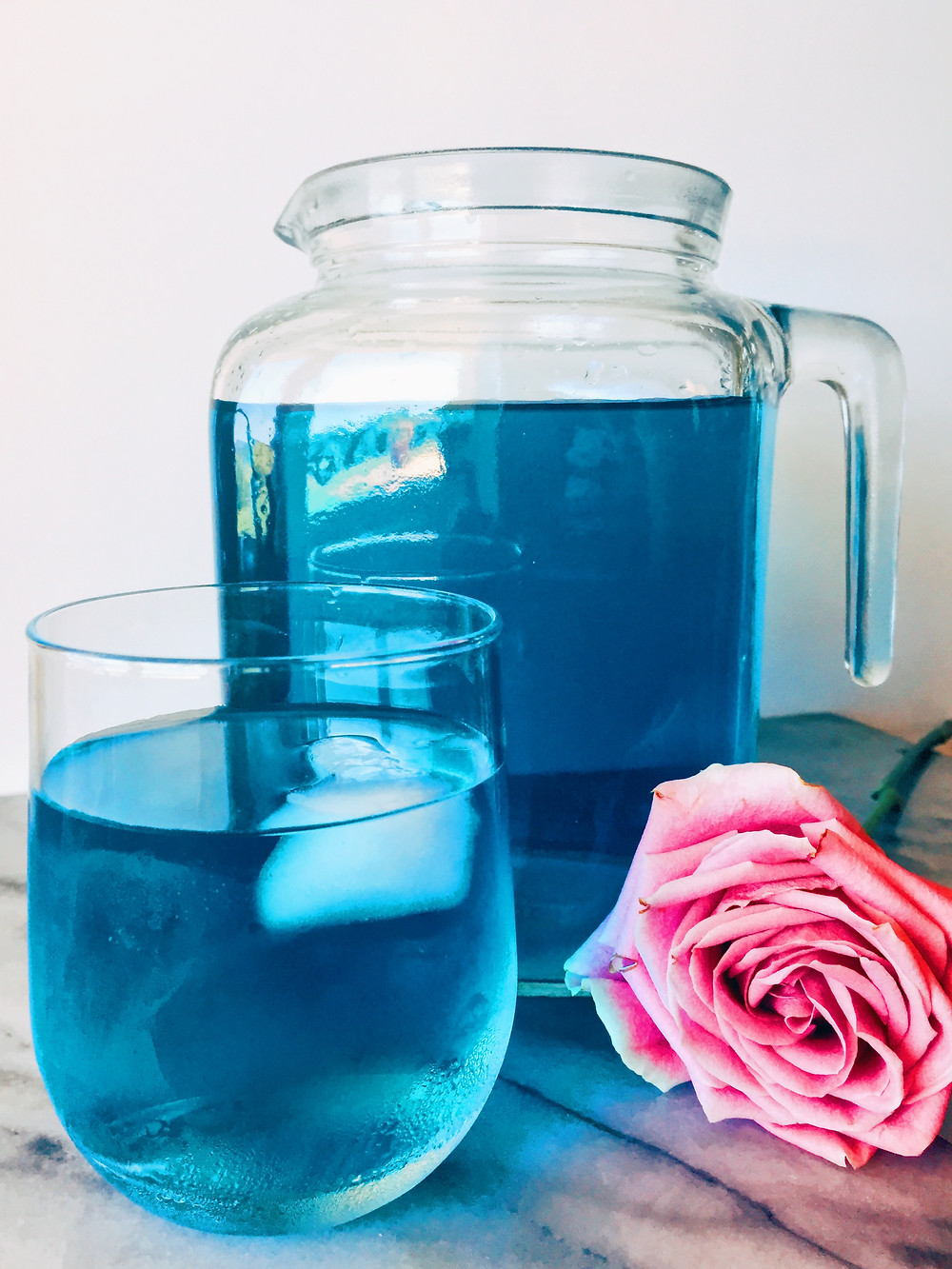 Blue Butterfly iced tea with rose (Sera Elisabeth)
