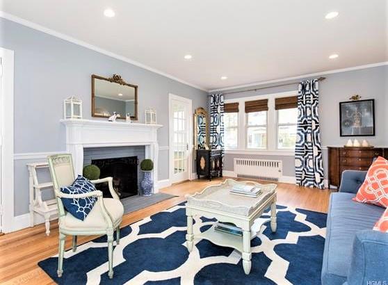 263 living room (2).jpeg