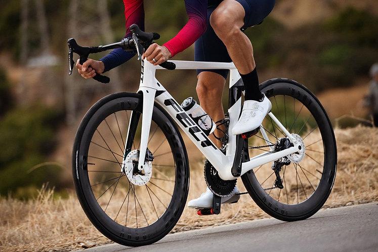 Felt AR ADV DISC ULT DI2 WHITE - Aero országuti kerékpár