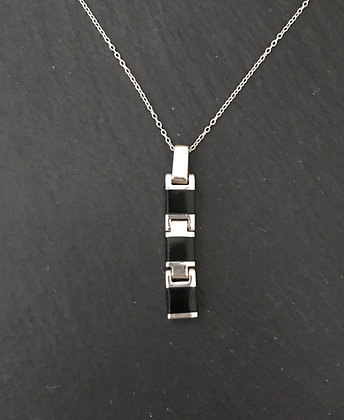 Black Onyx and Silver Link Pendant