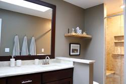 Harrison, Indiana full bathroom