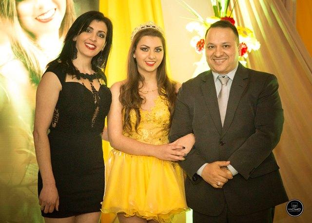 Maria Eduarda com os pais