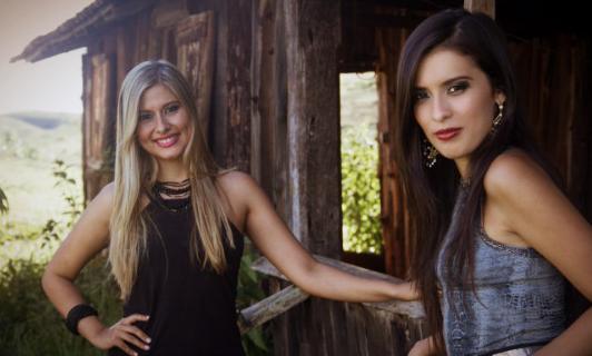 Letícia e Vanessa