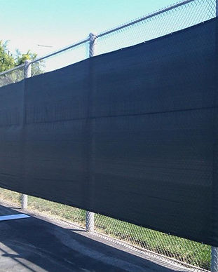 tennis-court-wind-screen-chain-link-fenc