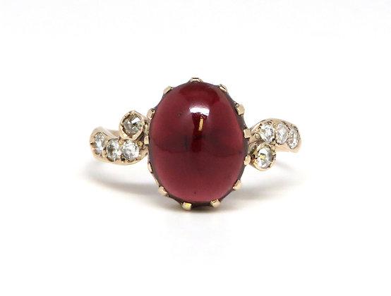 10kt Cabochon Garnet and Diamond Ring