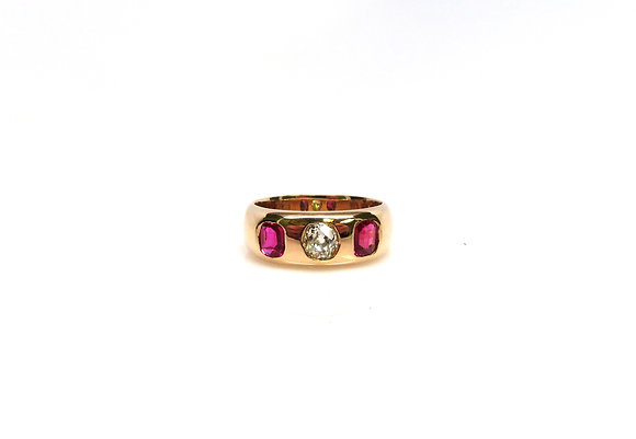 Antique 14kt 0.42ct Old Mine Cut Diamond & Ruby Ring