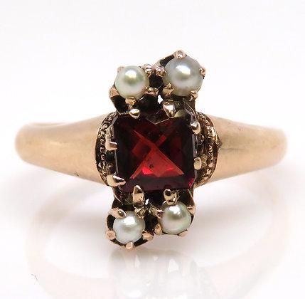 10K Garnet and Pearl Ring