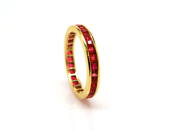 18kt Ruby Band