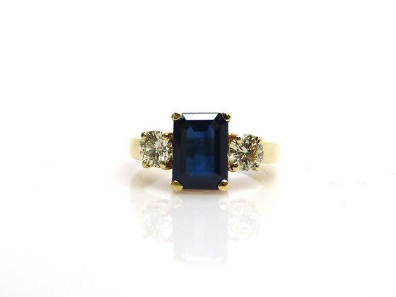 Estate 18kt Sapphire & Diamond Ring