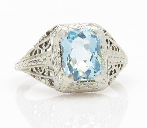 Antique 18kt Aquamarine Ring