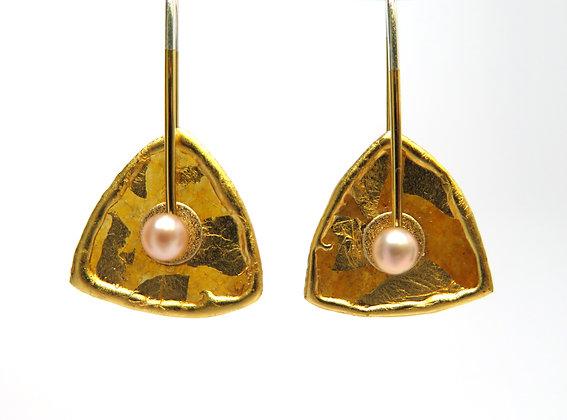 Mica Pod Pearl Earrings