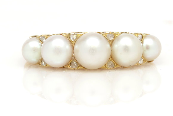 Antique 18kt Natural Pearl & Diamond Ring