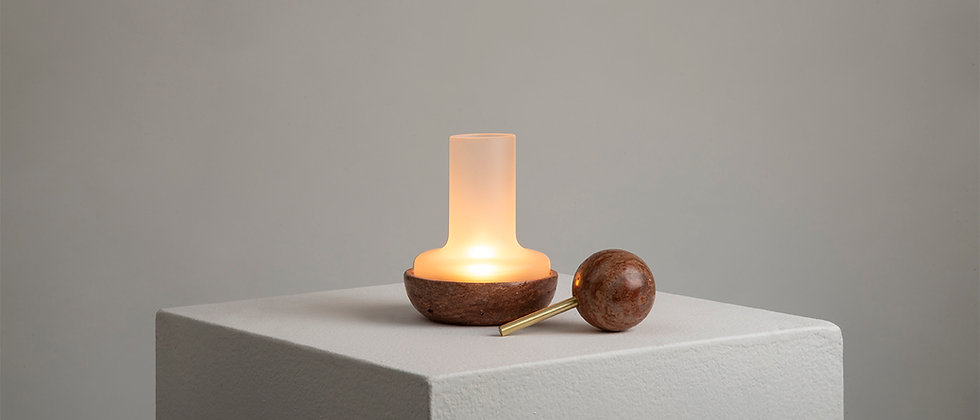 "RED MARBLE ""QUINQUÉ"" CANDLE LIGHT"