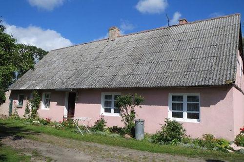 Bauernhaus_bei_schönem_Wetter-600x400.
