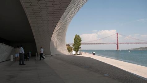 Museu de Arte, Arquitectura y Tecnología, MAAT. Lisboa Portugal (2017) Arquitectura: Amanda Levete