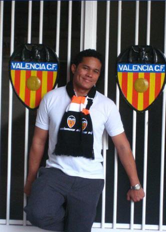 Foto: Luis vino desde Panamá para ver a su equipo por primera vez en directo en Mestalla (2009)