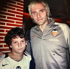 Foto: Antonio con Cañizares momentos antes de su primer partido en Mestalla en 2004
