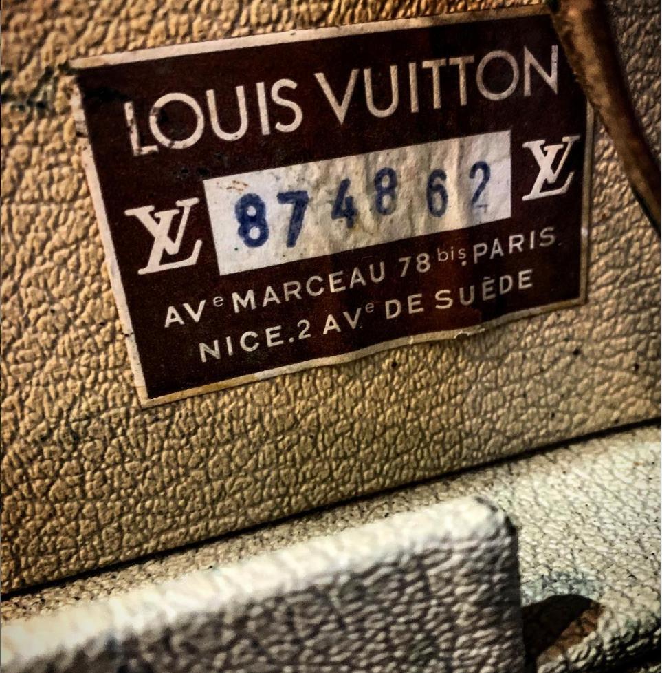 Petty Cash Authentic Louis Vuitton Case
