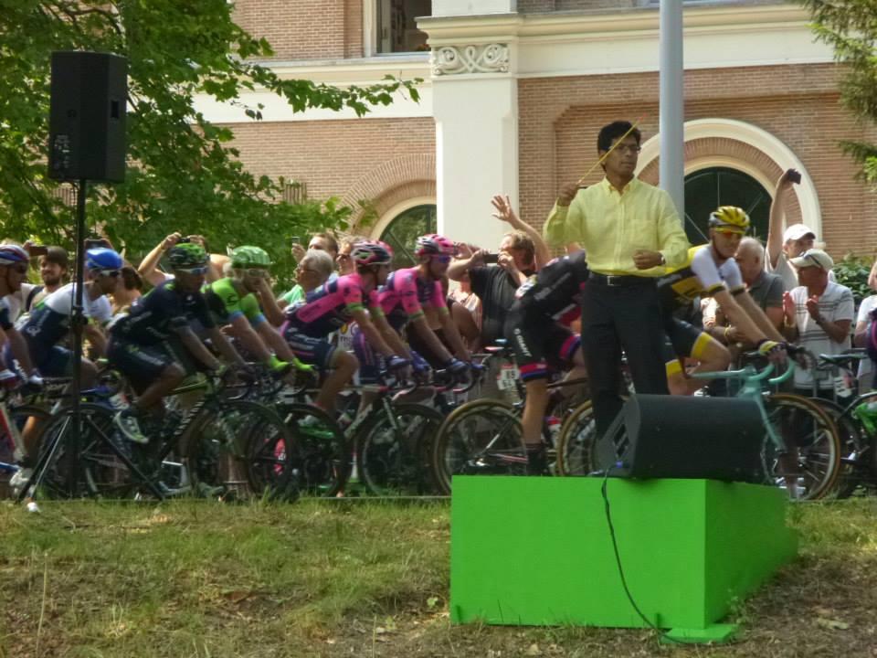 Peloton Tour de France passeert