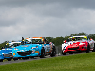HILLS JUMPS BACK INTO SUPERCUP TITLE RACE WITH DONINGTON BRACE