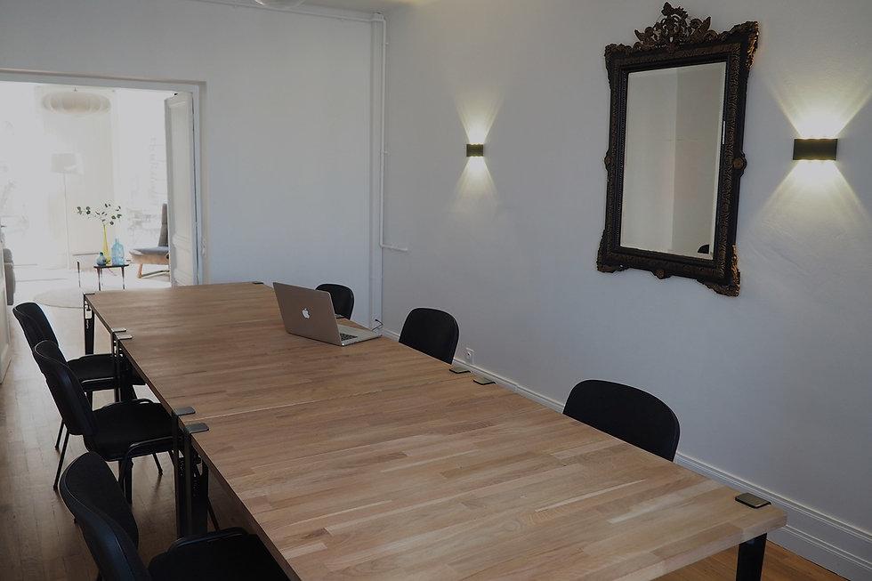 Espace modulable (réunion, atelier, boutique...) vide ou meublé à La Maison du bourg. Bureaux, coworking et espaces partagés à Plonéour-lanvern (proche Pont l'abbé et Quimper)
