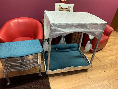 Beautiful Paw Bedroom Set(Medium)
