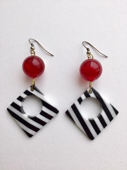 Pop-Art Ohrringe Schwarz/Weiß mit roter Perle