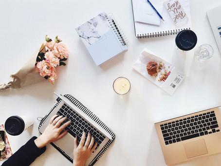 Écrire à quatre mains : avantages et inconvénients
