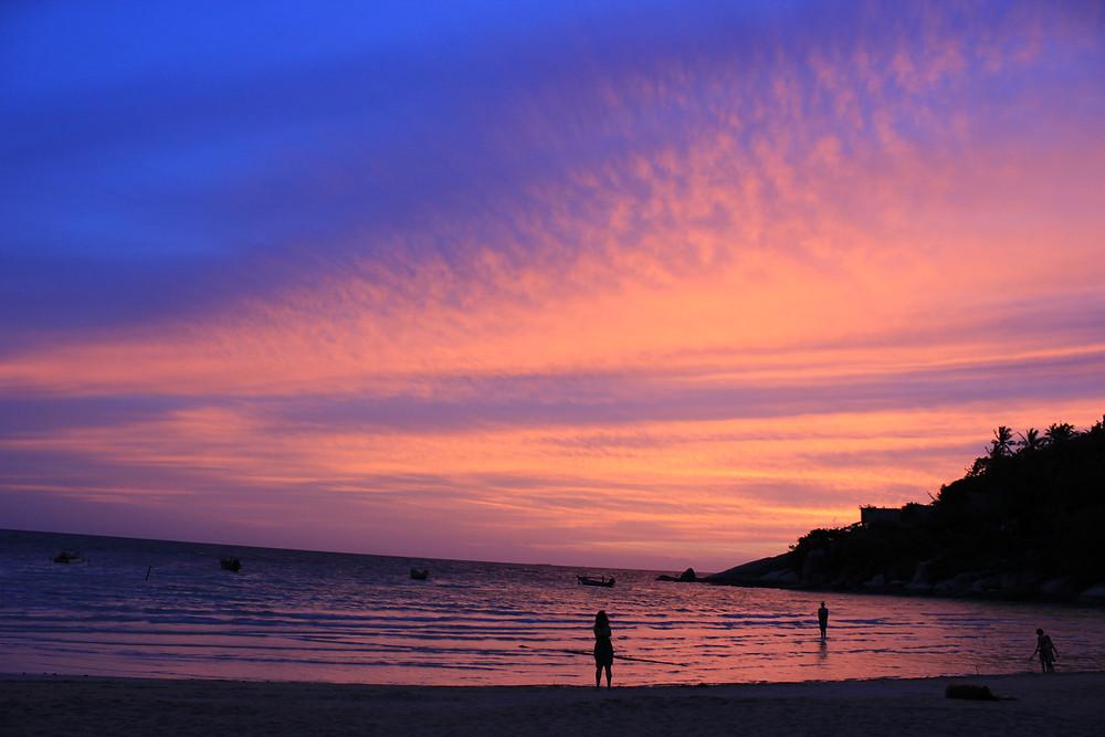 Questa immagine non è stata sottoposta a post-produzione. Non sono stati applicati filtri o aggiustamenti. Riproduce esattamente i colori reali. Il più bel tramonto che i miei occhi abbiano mai visto.