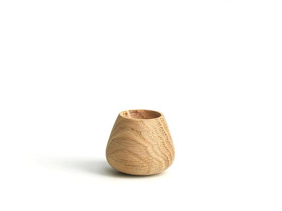 Flower Bud. knob/hook. medium - oak