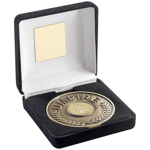 Black Velvet Box And 70mm Umpire Medallion With Cricket Insert - 102 mm