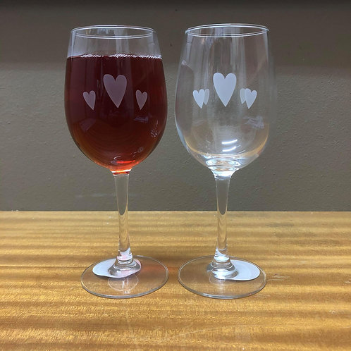 Wine Glass| Heart Design |Free Engraving