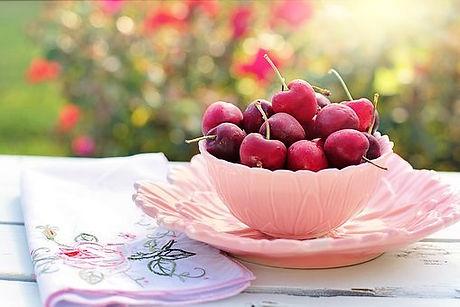 cherries-2402449__340.jpg