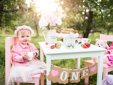 Tea Party Cake Smash session outdoors